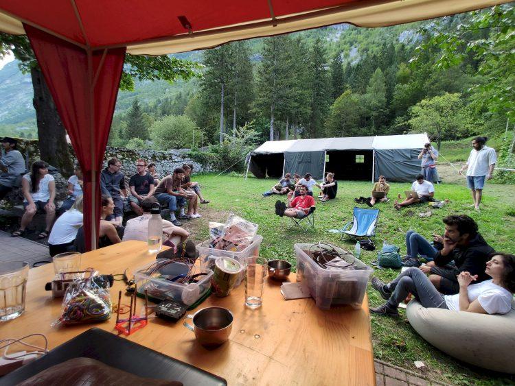 PIFcamp, un lab sauvage dans les Alpes Slovènes