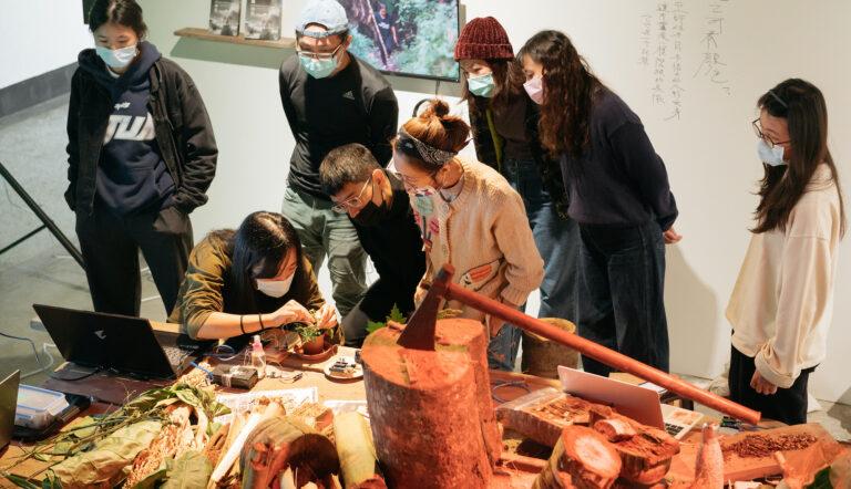 """Le """"Lab Kill Lab"""" de Shu Lea Cheang occupe Taipei"""